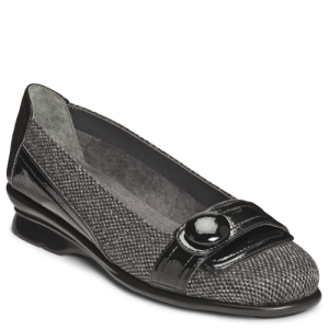 Black/Silver Fabric Patent Aerosoles Raspberry