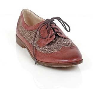 Brown Restricted shoes Bedford