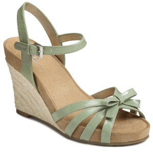 Light Green Patent A2 by Aerosoles Ivy Plush
