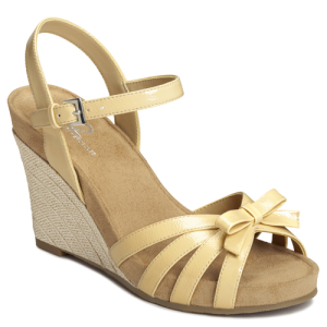 Light Yellow Patent A2 by Aerosoles Ivy Plush