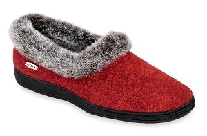 Acorn Chinchilla Collar  Berry Red - Womens $45.00 AT vintagedancer.com